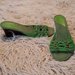 "Life Stride green 2 1/2"" heels. Size 9 EUC"